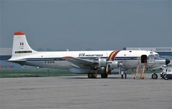 #257 - Premier appareil de ce type testé par les équipages de la Sécurité civile en 1977 (il est alors immatriculé F-GAPK). Acheté deux ans plus tard à UTA Industries il sera immatriculé F-ZBAE  et prendra l'indicatif Pélican 63.  Il se crashera en 1985 à Fitou dans l'Aude avec perte de l'équipage Rambaud-Dedeban-Blanchard avant d'avoir atteint sa millième heure de vol pour la Sécurité civile. Photographie Steve BRIMLEY - 1979