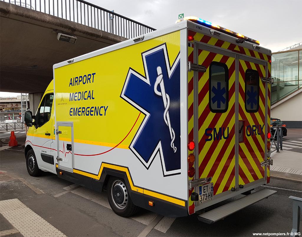 Véhicule de secours médical de l'Aéroport d'Orly