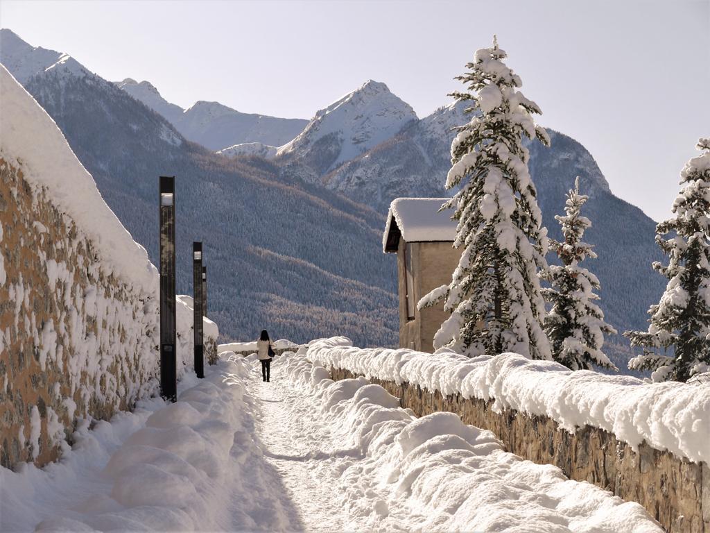Le tocsin sur le chemin de ronde de Briançon (Hautes-Alpes)