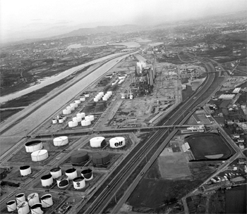 Vue aérienne de la raffinerie de Feyzin