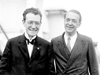 Francis William Gibbs (à gauche) et Frederic Herbert Gibbs (à droite) en 1923.