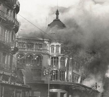 L'incendie du magasin Les nouvelles Galeries à Marseille en octobre 1938