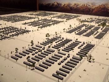 <h2>Vue générale du camp d'internement Manzanar</h2>