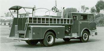 Fourgon-pompe Mack CF