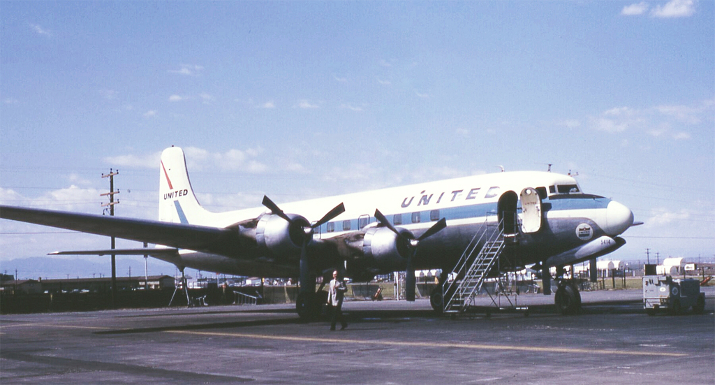 United Airlines DC-6, N37514