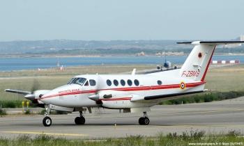 <h2>Avion de reconnaissance/liaison/commandement Beechcraft B-200 Super King-Air</h2>