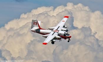 <h2>Avion bombardier d'eau Grumman SF2 Turbofirecat T23</h2>