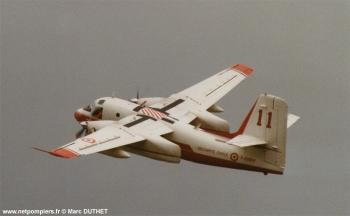#116 - Construit en 1958 et après une carrière dans la marine embarquée américaine sera mis en service à la Sécurité civile française en mai 1987. Il sera remotorisé en 1994 Photographie Marc DUTHET - 2001