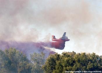 <h2>Avion bombardier d'eau Grumman SF2 Turbofirecat T1</h2>