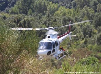 <h2>Hélicoptère bombardier d'eau AS-350B Ecureuil </h2>