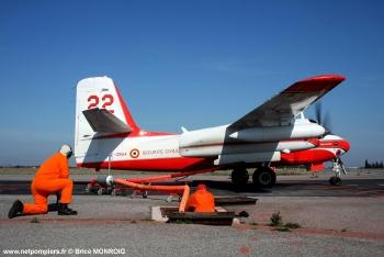 #13 - Construit en 1958 et après une carrière dans la marine embarquée américaine sera mis en service à la Sécurité civile française en juin 1987. Il sera remotorisé en 1993 en prenant l'indicatif T22 (son indicatif initial était T14) Photographie Brice MONROIG - 2008