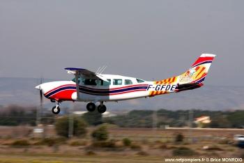 <h2>Avion de reconnaissance/liaison/commandement Cessna T207A</h2>