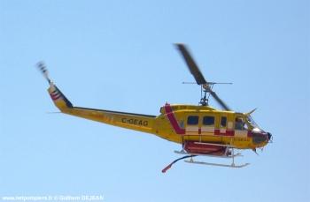 #97 - Equipé d'un kit HBE Fire-Attack de 1 400 litres. L'appareil est loué par Héli-Protection au Service départemental incendie secours du Var (SDIS 83). Stationné au Cannet-des-Maures Photographie Guilhem DEJEAN - 2011
