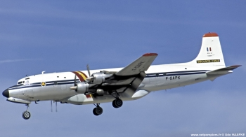 <h2>Avion bombardier d'eau Douglas DC-6B Pélican 63</h2>