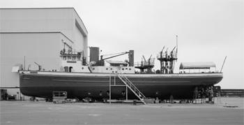 #339 - Bateau-pompe en service à New York de 1931 à 1994. Conservé aujourd'hui par Save Our Ships New York. Ici en cale sèche à Staten Island pour une maintenance  quinquennale. Photographie Library of Congress, Prints & Photographs Division, HAER NY-335 - 2005