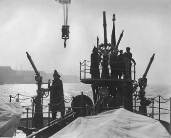 #342 - Bateau-pompe en service à New York de 1931 à 1994. Ici en tests de réception et d'acceptation par les pompiers de New York après sa livraison en 1931. Photographie Collection John LANDERS & Beth KLEIN - 1931