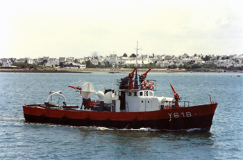 #284 - Initialement destiné à  Mers-El-Kébir en Algérie il sera en service à Lorient de 1961 à 1995. Photographie Stéphane BARBEDIENNE - 1992