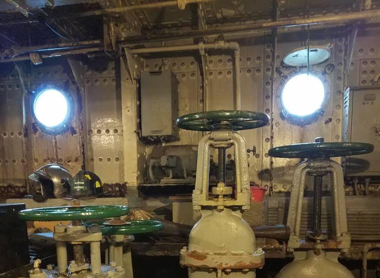 #371 - Bateau-pompe John J. Harvey, Bateau-pompe en service à New York de 1931 à 1994. Conservé aujourd'hui par Save Our Ships New York. Vue de l'une des pompes à incendie. Photographie  - 2020