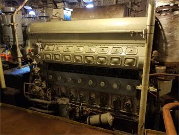 #372 - Bateau-pompe John J. Harvey, Bateau-pompe en service à New York de 1931 à 1994. Conservé aujourd'hui par Save Our Ships New York. Vue de l'un des moteurs diesel Fairbanks Morse de propulsion. Photographie  - 2020