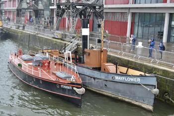 #500 - Le bateau-pompe Pyronaut (à gauche) conservé au Bristol Industrial Museum de Bristol aux côtés du remorqueur à vapeur Mayflower (à droite). Photographie Ashley COATES - 2017