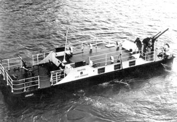 #510 - En service de 1968 à 1980. Long de près de 14 mètres. Capacité hydraulique de 9 100 l/min. Photographie réalisée à Avonmouth Dock peu de temps après la mise en service du bateau-pompe. Photographie Bristol Museums/Bristol Culture - 1968