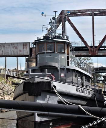 #278 - Remorqueur de l'US Navy de 1941 à 1948 puis bateau-pompe du port d'Oakland de 1948 à 1993. Exposé aujourd'hui à l'Arkansas Inland Maritime Museum à North Little Rock (US, Arkansas). Photographie Boncrechief - 2009