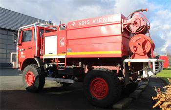 Camion-citerne pour feux de forêts, Sapeurs-pompiers, Vienne (86)
