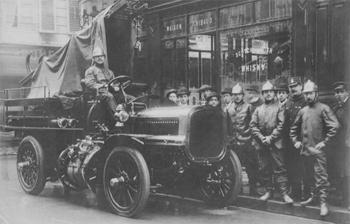 Fourgon-pompe Delahaye-Farcot modèle 1906 des sapeurs-pompiers de Paris