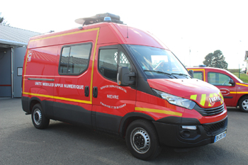 Véhicule d'appui télécommunications et informatique, Sapeurs-pompiers, Nièvre