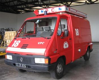 <h2>Véhicule poste de commandement - Saint-Denis - La-Réunion (974)</h2>