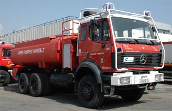 Camion-citerne d'attaque des marins-pompiers de Marseille
