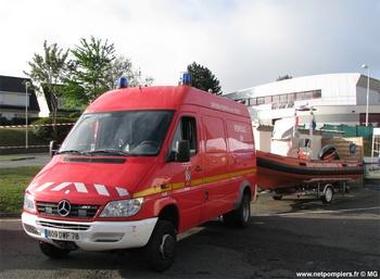 <h2>Véhicule de secours nautique - Magnanville - Yvelines (78)</h2>