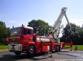 <h2>Camion bras élévateur articulé - Saint-Germain-sur-Morin - Seine-et-Marne (77)</h2>