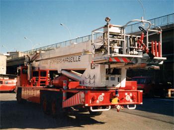 Camion bras élévateur articulé, Marins-pompiers de Marseille,  ()