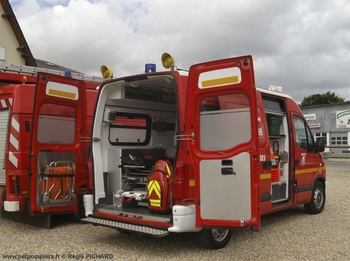 <h2>Véhicule de secours et d'assistance aux victimes - La Haye-Malherbe - Eure (27)</h2>