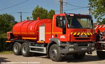 <h2>Camion-citerne d'incendie - Neuvy-Saint-Sépulchre - Indre (36)</h2>