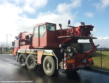 #9281 - Camion-grue Liebherr, châssis Liebherr LTM 1040-3, sapeurs-pompiers, Lille, Nord (59)