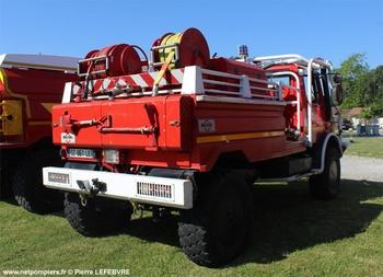 <h2>Camion-citerne pour feux de forêts - Salaunes - Gironde (33)</h2>