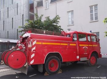 #6476  Fourgon-pompe tonne, châssis Berliet GAK, sapeurs-pompiers, Jebsheim, Haut-Rhin (68), 2010
