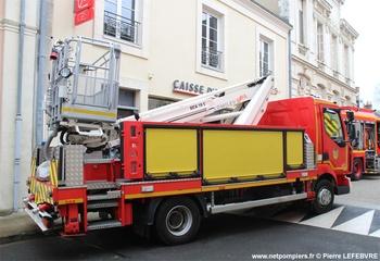 Camion bras élévateur articulé, Sapeurs-pompiers, Sarthe (72)