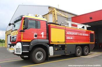 Véhicule pour interventions aéroportuaires, Service de sauvetage et de lutte contre l'incendie des aéronefs, Nièvre (58)