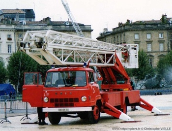 Camion bras élévateur articulé, Sapeurs-pompiers, Gironde