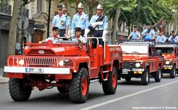 Véhicule porte-drapeau, Sapeurs-pompiers de Paris,  ()