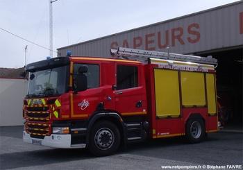 Fourgon-pompe tonne secours routier, Sapeurs-pompiers, Maine-et-Loire