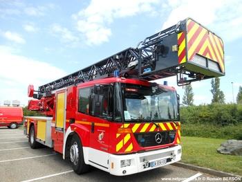 #8997 - Echelle pivotante Magirus, châssis Mercedes Econic 1829, sapeurs-pompiers, Strasbourg, Bas-Rhin (67)
