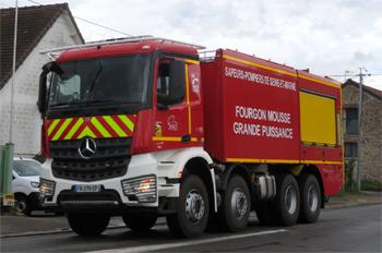 <h2>Véhicule mousse - Montereau - Seine-et-Marne (77)</h2>