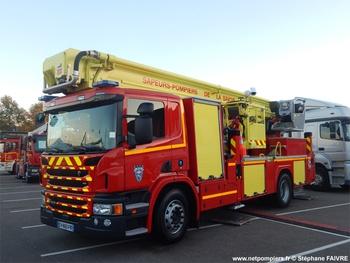 Camion bras élévateur articulé, Sapeurs-pompiers, Savoie (73)