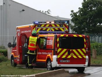 <h2>Véhicule léger infirmier - Magnanville - Yvelines (78)</h2>
