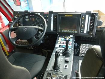 <h2>Véhicule pour interventions aéroportuaires - Nouméa - Nouvelle-Calédonie (988)</h2>