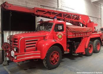#9188 Camion-grue Magirus, châssis Berliet, Sapeurs-pompiers, Yvelines (78). Photographie Sybarts - 2015